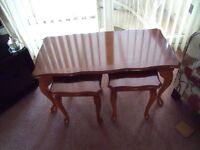 SET COFFEE TABLES excellent condition