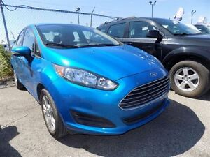 2015 Ford Fiesta SE VERY LOW MILEAGE !