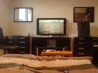 """Stunning huge double room 42"""" Plasma, Sky HD, Weekly cleaner from £825pcm (All inc) couples welcome"""