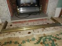 ANTIQUE VICTORIAN BRASS FIRE FENDER KERB WITH BEADED DESIGN