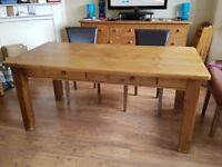 Pine farmhouse table from Victoriana 180 x 90 cm includes 4 chairs