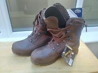 NEW Men's brown HAIX combat boots - size 8