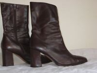 Burgandy Leather ankle boots by Pied a Terre size 40 1/2