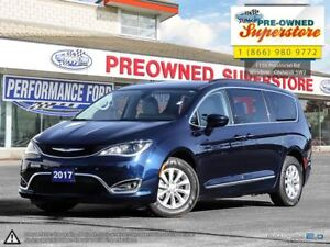 2017 Chrysler Pacifica Touring-L***Power sliders and liftgate***