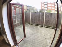 ** THREE BEDROOM IN NEWCROSS AVAILABLE NOW**