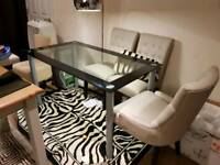 Glass dining table for 4 or 6 chairs
