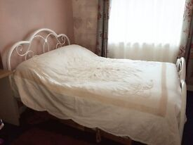 Excellent Condition Beautiful Metal Framed Double Bed & Dreams Mattress for Sale