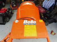 BELLE MINI MIX 150 ELECTRIC WITH STAND IN GOOD CONDITION