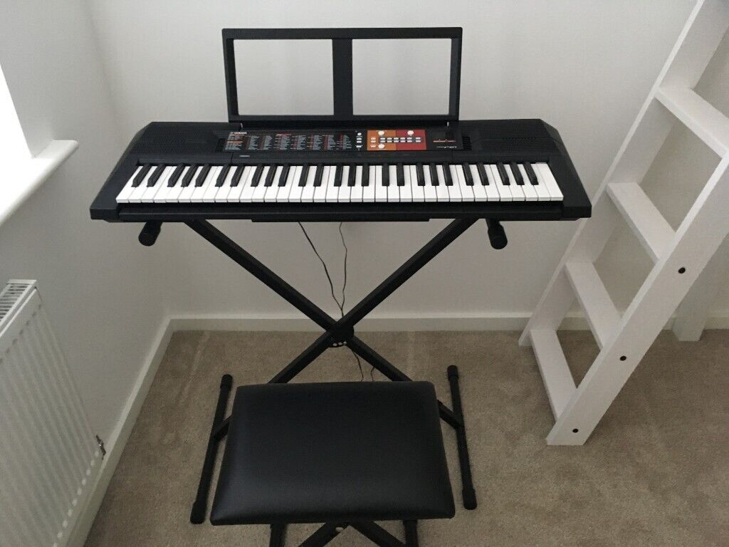 yamaha keyboard psr f51 with adjustable piano chair. Black Bedroom Furniture Sets. Home Design Ideas