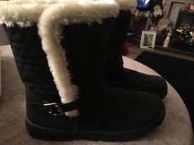 Ladies Size 9 winter/waterproof boots