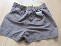 OFFICIAL BROWNIE UNIFORM - SKORT 22 inch waist (elasticated) - PERFECT CONDITION