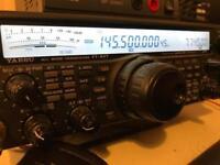 Yaesu 847 HF UHF/VHF Radio