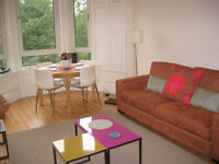 Trinity: Charming 2 bedroom flat to rent. Available 17 May