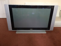 Large Phillips TV, HD display, Pixel Plus technology, used, exccelent condition