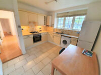 LARGE THREE BEDROOM APARTMENT TO RENT IN ST JOHNS WOOD NW8
