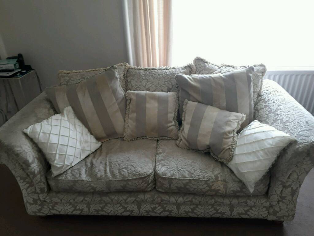 3 seater settee and recliner chair free
