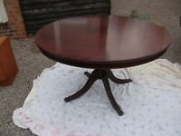 BEAUTIFUL LARGE ANTIQUE ROUND SOILD WOODEN WITH INLAID EDGE PEDESTAL TABLE