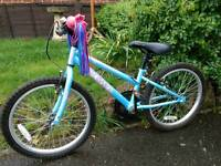 Girls bike, suit 7-9 year old