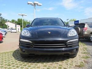2011 Porsche Cayenne S + PANORAMIC ROOF TIRES AT 85% NEW BRAKES