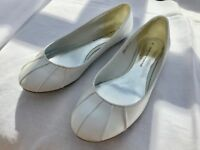 "White flat ""ballet"" style shoes size 6 £5.00"