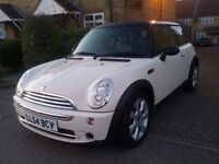 MINI COOPER AUTO 1.6 VERY LOW MILEAGE LEATHER AND panoramic roof