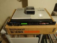Roland S-330 Digital Sampler