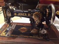 BEAUTIFUL VINTAGE 1920's JONES SEWING MACHINE with ORIGINAL BOX/CASE + KEY