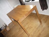 Dining table (solid oak)