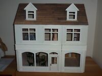 STARTER ADULT LIGHT UP DOLLS HOUSE COMPLETE WITH ITEMS OF FURNITURE AND ACCESSORIES
