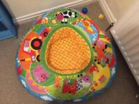 Baby seat/play area