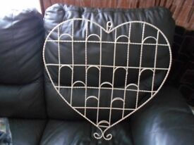 HEART SHAPED MESSAGE RACK **REDUCED PRICE**