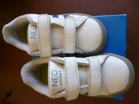Adidas Neo childs trainers size 7