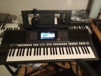 Yamaha PSR-S970 Arranger Workstation Keyboard with extras