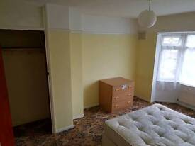 1 double room for rent