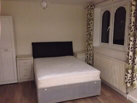 Ensuit Double Room To Let In Town Center