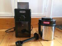 De'Longhi Coffee Grinder, Vacuum Coffee Storage Box & Spoon - hardly used, excel. condition.
