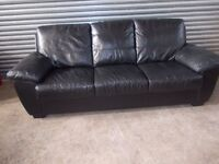 Black Leather 3+2-seater Suite