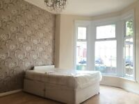 Immaculate 5 Bed House In Stratford - Perfect For UEL Students - £2400 PCM