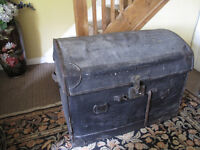 Large Old Trunk, Wicker & Canvas storage/display/huge picnic!