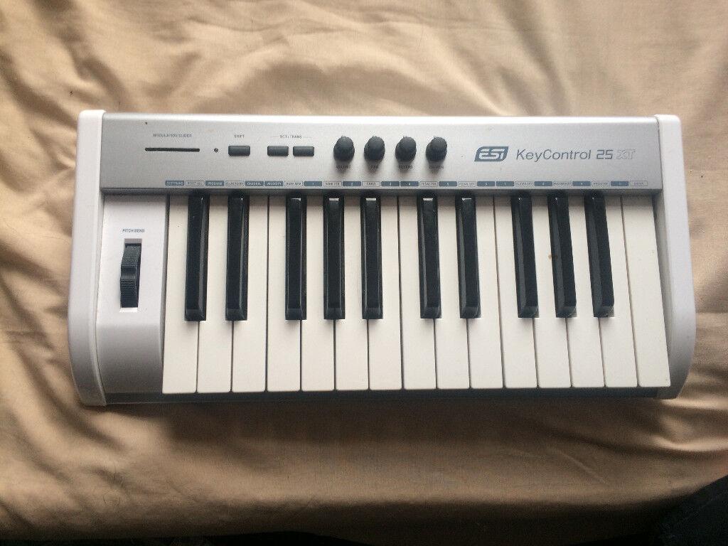 (USED) ESI KeyControl 25 Key semiweighted USB MIDI keyboard | in Leigh,  Manchester | Gumtree