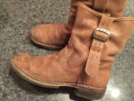 FLY LONDON boots was £170 only £24!!!! Size 42.5