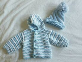 Newborn knitted set