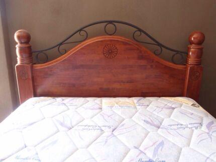 Wooden queen bed & matress Koondoola Wanneroo Area Preview