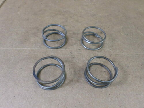 """Lot of 4 Unbranded Approx. 1-5/32"""" OD X 1"""" ID X 5/8"""" Width Springs"""