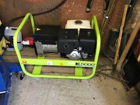 5 KVA - 3 Phase petrol generator - Pramac E5000 excellent condition