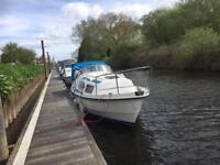Kent class motorsailer 5 berth diesel moored York / 4 year boat saftey