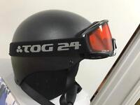 Skiing helmet and goggles aged 5-8yrs
