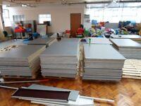 150 X HEAVY DUTY METAL ENDS SLOTTING FLOORBOARDS FOR MULTI PURPOSE 147cm X 92cm X 3cm