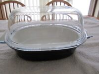 Pyrex Ovenproof ceramic Dish Oval with glass lid Length 13 inches Width 9.5 inches and Height 7 inch
