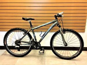 Vélo montagne cross-country SPECIALIZED StumpJumper M4 17'' **très propre** #F016198
